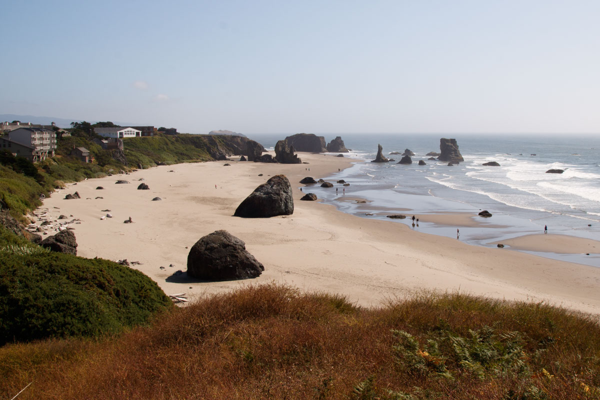 View of the expanse rocky beach in Bandon along the Oregon Coast.