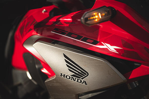 close up of the honda cb500x motorcycle's front end
