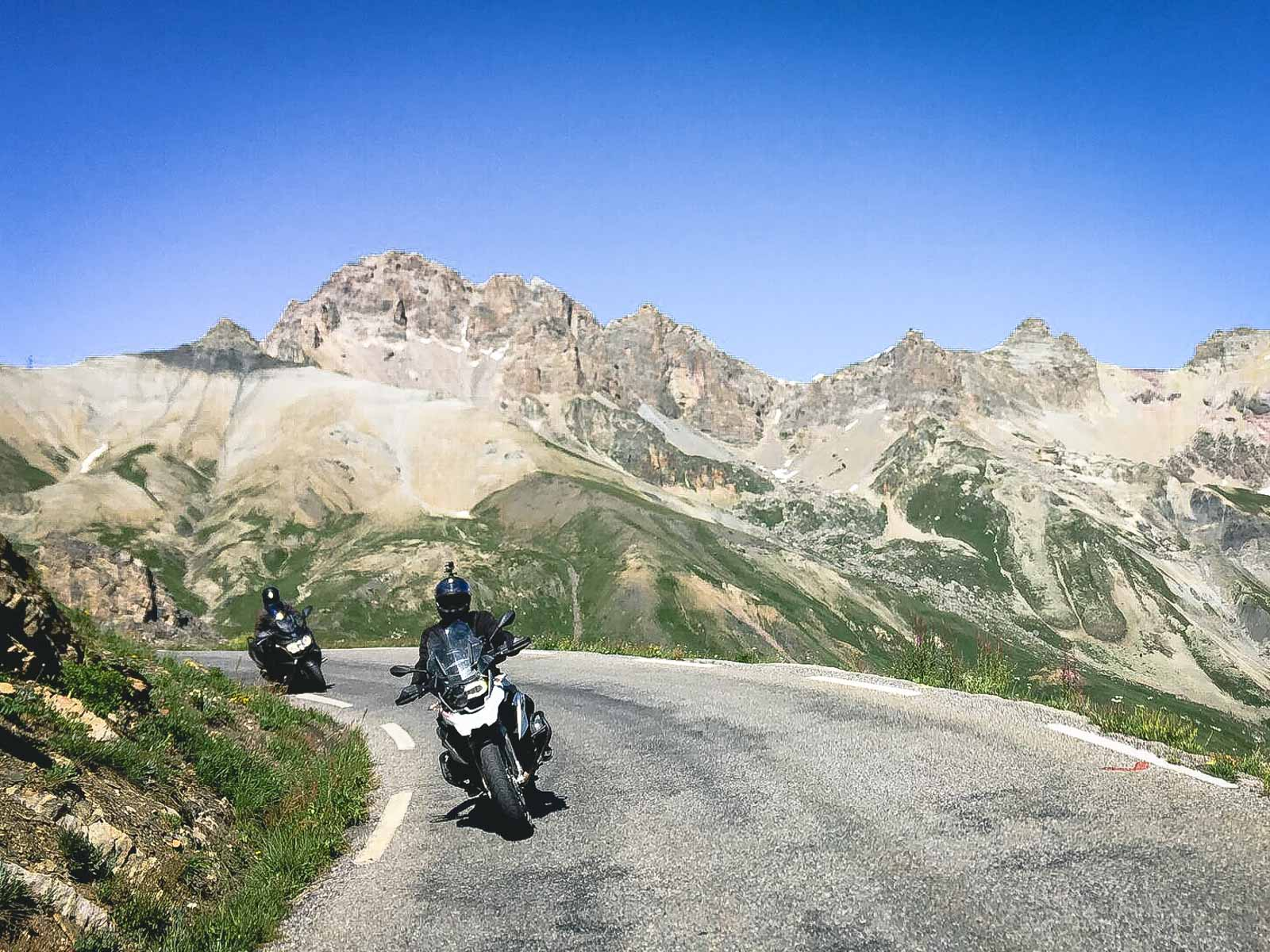 guided-motorcycle-tours-in-europe-riders-around-twisties