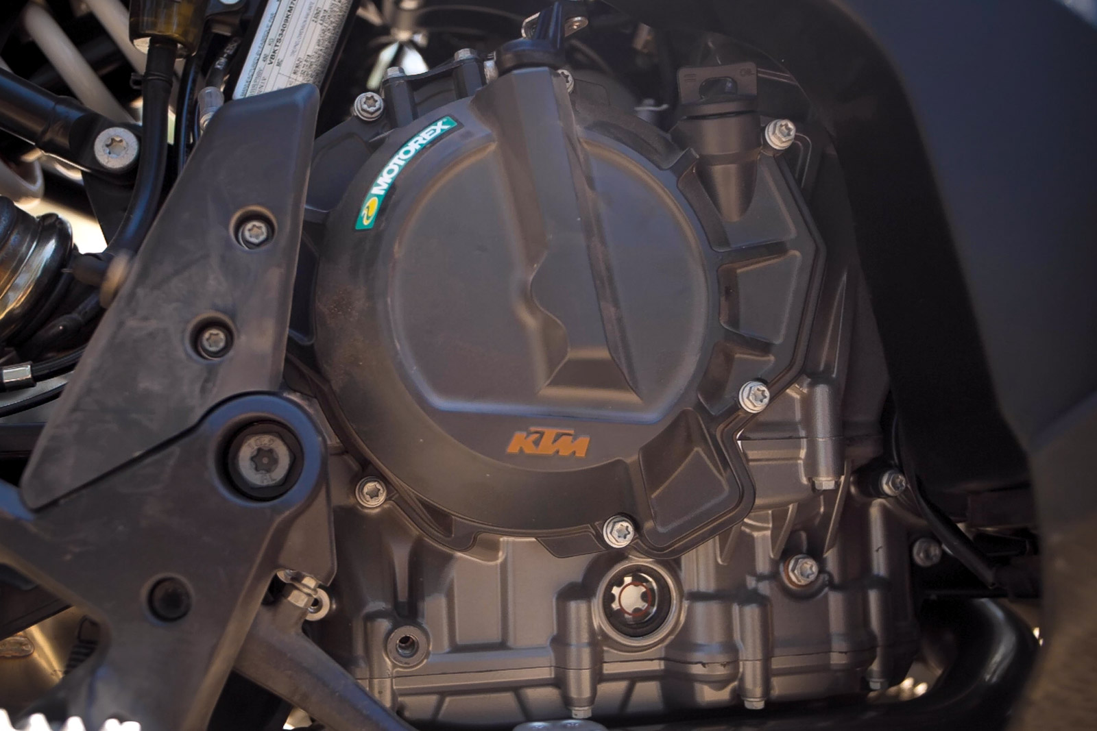 Closes up of the new KTM 790 adventure's engine