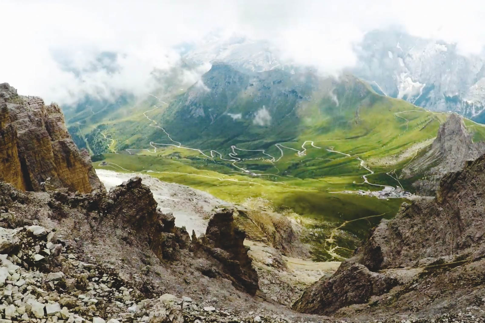 motorcycling-europe-alps-viewpoint