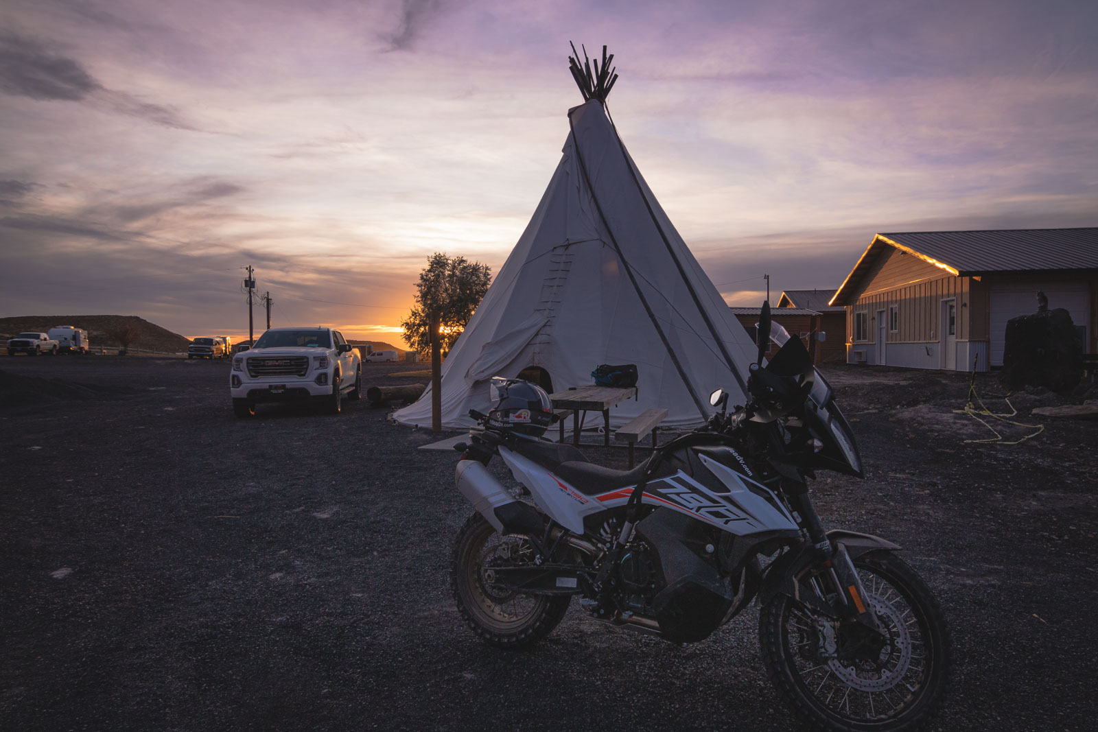 adventure_motorcycle_tour_crane_hotsprings_tipi