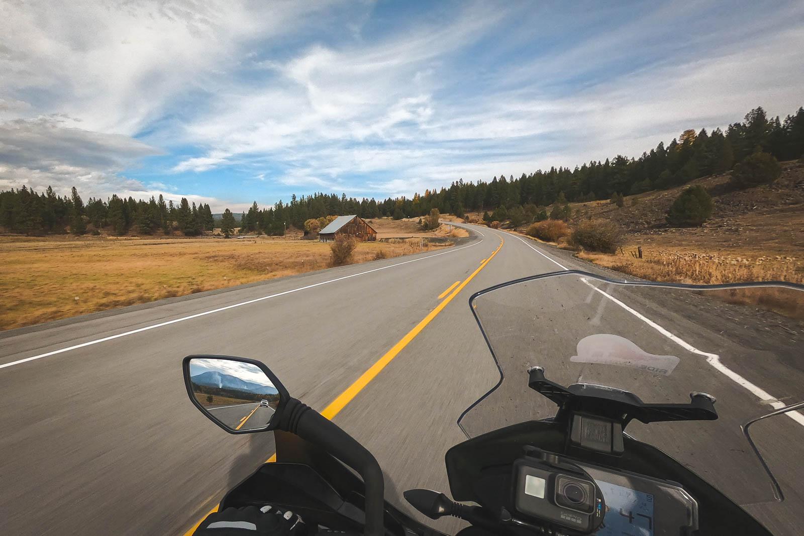 adventure_motorcycle_tour_oregon_cockpit
